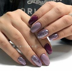 False nails have the advantage of offering a manicure worthy of the most advanced backstage and to hold longer than a simple nail polish. The problem is how to remove them without damaging your nails. Fancy Nails, Love Nails, Trendy Nails, My Nails, Glam Nails, Sparkly Nails, Classy Nails, Popular Nail Designs, Cute Nail Designs
