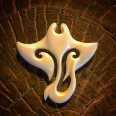 Wood Carving Patterns, Wood Carving Art, Carving Designs, Wood Art, Antler Jewelry, Wooden Jewelry, Bone Jewelry, Dremel, Bone Crafts