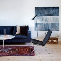 Love the iconic floor lamp from Arne Jacobsen. Absolutely must have. From Louis Poulsen.