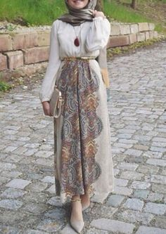 Long and modest hijab outfits www.justtrendygir… Long and modest hijab outfits www. Islamic Fashion, Muslim Fashion, Modest Fashion, Fashion Outfits, Fashion Wear, Modest Wear, Modest Dresses, Modest Outfits, Casual Hijab Outfit