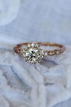 Vintage engagement ring set Oval Moissanite engagement ring yellow gold diamond wedding Jewelry Anniversary Valentine's Day Gift for women - Fine Jewelry Ideas Engagement Ring Rose Gold, Engagement Ring Settings, Diamond Wedding Bands, Halo Engagement, Morganite Engagement, Morganite Ring, Wedding Rings Vintage, Vintage Engagement Rings, Wedding Jewelry