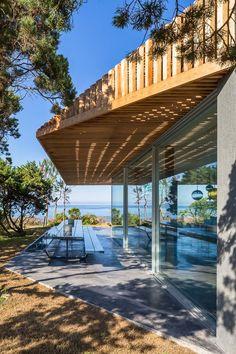vincent coste architecte / villa contemporaine h2, pietrosella île de corse (paysage: nicolas bonnenfant et coloco)