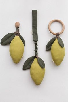 Lemon baby rattle / Tropical baby shower / Soft to Baby Toys, Handgemachtes Baby, Toddler Toys, Newborn Gifts, Baby Gifts, Pram Toys, Car Seat Accessories, Cleaning Toys, Baby Rattle
