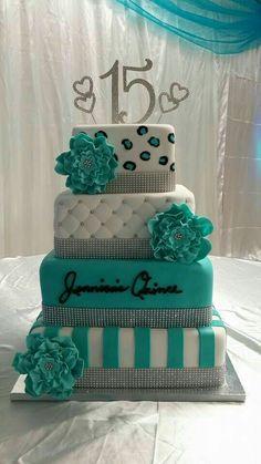 pastel de 15 años turquesa