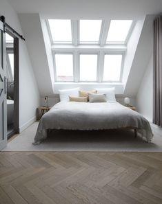 15 Attic Bedroom Trend to Inspire You Bedroom - Bedroom Design Attic Bedroom Decor, Attic Bedroom Designs, Comfy Bedroom, Bedroom Loft, Girls Bedroom, Interior Design Living Room, Bedroom Ideas, Bedroom Rustic, Attic Bathroom