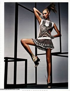 W MAGAZINE | Editorial Abril 2012