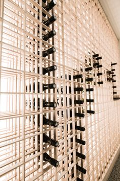 Japanese Restaurant Design, Wine Cellar Basement, Home Wine Cellars, Retail Interior Design, Shoji Screen, Japanese Wine, Home Bar Designs, Wine Display, Japan Shop