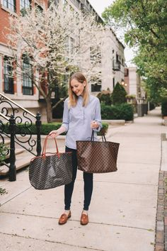 2019 LV Trends For Women Style New Louis Vuitton Handbags Collection For Friends Gifts Goyard St Louis Tote, Goyard Pouch, Lv Handbags, Louis Vuitton Handbags, Louis Vuitton Monogram, Fashion Handbags, Fashion Bags, Fashion Trends, Louis Vuitton Neverfull Tote