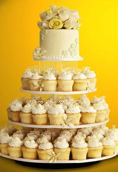 best of both worlds...wedding cake AND cupcakes!