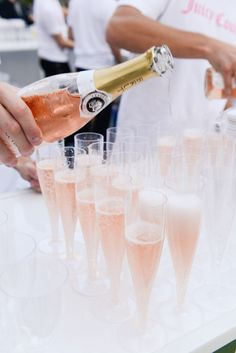 Like a champagne life — Juicy Party / Fill 'er up! Michael Buble, Cocktail Drinks, Alcoholic Drinks, Rose Cocktail, Beverages, Wonderful Day, A Little Party, Colorful Candy, In Vino Veritas