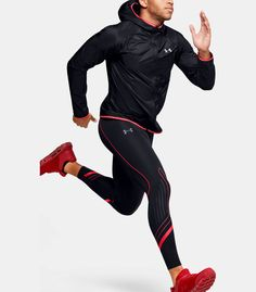 Men's UA Qualifier Speedpocket HeatGear® Graphic Tight | Under Armour US Under Armour Running, Different Types Of Fabric, Running Leggings, Run Disney, Extra Fabric, Range Of Motion, Second Skin, Motorcycle Jacket, Sporty