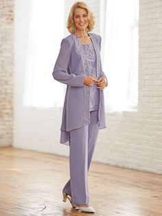 Dressy Pant suits only for women Mother Of The Bride Trouser Suits, Mother Of The Bride Fashion, Mother Of The Bride Dresses Long, Mother Of Bride Outfits, Mothers Dresses, Dressy Pant Suits, Wedding Pantsuit, Wedding Dresses, Unique Clothes For Women