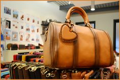 Borse vintage, una passione condivisa - vintage DuDu bag on www.dudubags.net