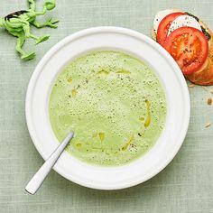 Broccolisoppa med tomat- och mozzarellabaguette | Recept ICA.se