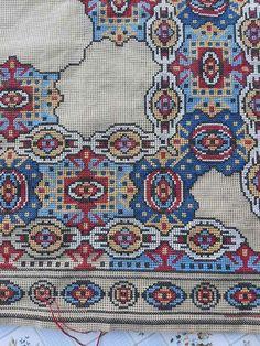 Bohemian Rug, Embroidery, Patterns, Rugs, Crafts, Punto De Cruz, Dots, Needlepoint, Block Prints