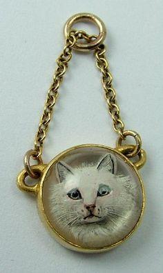 Victorian 18ct Gold Essex Crystal Cat Intaglio Charm