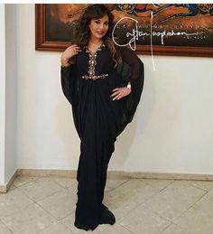 Black is so chique ❤️ @signaturebyguennoun  #morocco#casablanca#rabat#fes#meknes#marrakech#tetouan#tanger#nador#dubai#abudhabi#kuwait#qatar#doha#uae#jordan#amman#bahrain#muscat#lebanon#oman#beirut#malaysia#indonesia#india#pakistan#caftan#caftaninspiration#followme