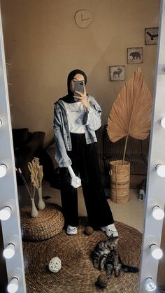 bowling outfit date Modest Fashion Hijab, Modern Hijab Fashion, Street Hijab Fashion, Casual Hijab Outfit, Hijab Fashion Inspiration, Ootd Hijab, Hijab Chic, Muslim Fashion, Fashion Week