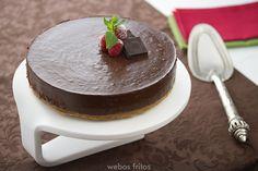 https://flic.kr/p/JWL8sU | Tarta de chocolate sin horno | Tengo la mala fortuna de que para esta época en mi casa hace mucho calor, y desde junio a septiembre es poco aconsejable poner el horno, por lo que procuro usarlo lo menos posible y por eso es en esta época del año ves más recetas de cosas ricas a las que no les hace falta el horno. Hoy va esta tarta de chocolate sin horno que te va a gustar un montón. Y es para principiantes, aviso.  Receta completa disponible en | Full recipe…