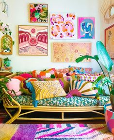 Quirky Living Room Ideas, Bohemian Living Rooms, Bohemian Bedroom Decor, Eclectic Living Room, Living Room Decor, Boho Decor, Boho Lounge, Blessed Friday, Gallery Walls