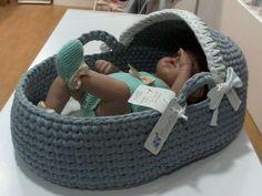 Chrochet, Knit Crochet, Baby Basinets, Crochet Baby Clothes, Knit Fashion, Knitting Designs, Bassinet, Baby Knitting, Crochet Projects
