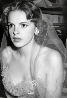Judy Garland candid, 1941.