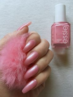 Nails Essie - Pink Diamond -T. Essie Colors, Nail Colors, Colours, Essie Pink Nail Polish, Nail Polishes, Jewelers Near Me, Jewelry Insurance, Platinum Jewelry, Jewelry Tree