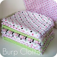 Super cute DIY flannel burp cloths, it has frayed edges like a rag quilt. These were super easy to make and great gifts. Would recommend sewing in from edge so its easier to cut the batting edge off, then trim the fabric closer the seam and snip to fray. Baby Sewing Projects, Sewing For Kids, Sewing Crafts, Sewing Tutorials, Sewing Tips, Craft Projects, Burp Cloth Patterns, Baby Patterns, Sewing Patterns