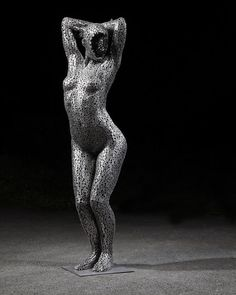 Seo Young-Deok creates sculptures made from bicycle chain links. The detail of his work is spectacular with great attention brought to the human form. Brighten Your Day, Amazing Art, Seo, Behind The Scenes, My Arts, Chain Links, Pink, Sculptures, Bicycle