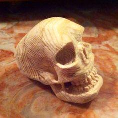 Caveira - escultura em madeira