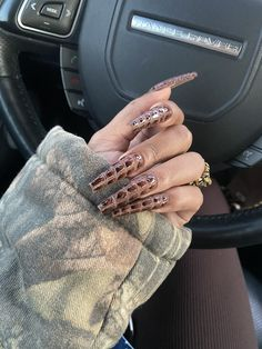 Brown Acrylic Nails, Bling Acrylic Nails, Brown Nails, Best Acrylic Nails, Sexy Nails, Glam Nails, Classy Nails, Nail Design Stiletto, Nail Design Glitter