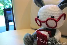 Free Crochet Pattern: Lil' Granny Bunny by Rachel Hoe of Little Yarn Friends. #Amigurumi #Toy #Kids