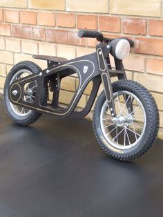Zundapp Balance-bike oldtimer style bike for by Anubisbikes