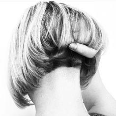 Classic Brunette Balayage - 20 Inspirational Long Choppy Bob Hairstyles - The Trending Hairstyle Choppy Bob Hairstyles, Sleek Hairstyles, Trending Hairstyles, Long Choppy Bobs, Short Bobs, Bobs For Round Faces, Blonde Balayage Bob, Aline Bob, Lob Haircut