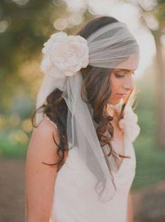 Boho Chic / Wedding Style Inspiration / not my style but pinning cuz super cute Wedding Veils, Boho Wedding, Dream Wedding, Wedding Dresses, Boho Bride, Bohemian Schick, Boho Stil, Bride Accessories, Bridal Hair