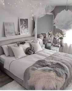 small bedroom design , small bedroom design ideas , minimalist bedroom design for small rooms , how to design a small bedroom Girl Bedroom Designs, Room Ideas Bedroom, Home Decor Bedroom, Bedroom Interiors, Classy Bedroom Ideas, Classy Ideas, White Bedroom Decor, Bedroom Girls, Diy Bedroom
