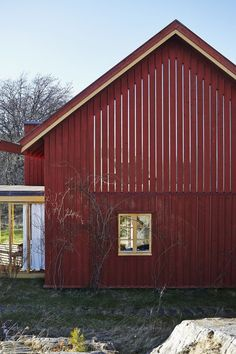 Farmhouse Remodeled by Gert Wingårdh Wooden Architecture, Architecture Building Design, Architecture Details, Wooden Buildings, Small Buildings, Gable House, Interior Sliding Barn Doors, Building Renovation, Farmhouse Remodel