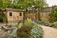 Small Backyard Landscaping Tips - small backyard landscaping ideas