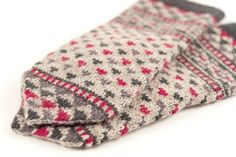 Kelbourne Woolens Year of Mittens June Mitten by Kate Gagnon Osborn Mittens Pattern, Knit Mittens, Mitten Gloves, Knitting Projects, Knitting Patterns, Fingerless Mitts, Fair Isle Knitting, Stitch Markers, Yarn Crafts