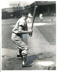 Jimmie Foxx at bat.  Great shot!