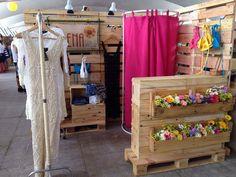 Boutique Decor, Mobile Boutique, Boutique Interior, Boutique Design, Mini Boutique, Craft Show Displays, Store Displays, Clothing Displays, Pallet Designs