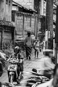 The Pace of Life Ubud Bali Indonesia March 2014
