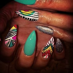 Not a fan of the length or the extreme pointiness but would be cute with rounded, semi pointed nails a bit shorter Hot Nails, Swag Nails, Hair And Nails, Stilettos, Nailart, Pointy Nails, Nail Candy, Nail Games, Fabulous Nails