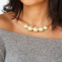Make a beautiful pearl statement necklace in less than 5 minutes!