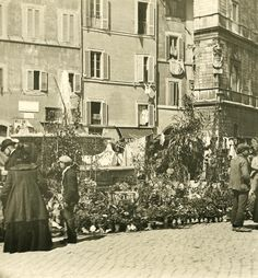 Campo dei Fiori 1900 Italy Pictures, Old Pictures, Old Photos, Photo Studio, Places To See, Rome, The Past, Street View, World