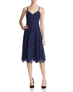ALICE AND OLIVIA Naomi Lace Dress. #aliceandolivia #cloth #dress