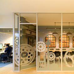 atelier has designed the offices of app development company Rheinfabrik located in Düsseldorf, Germany. Rheinfabrik is a Düsseldorf based company who Window Design, Door Design, Wall Design, Design Design, Design Ideas, Graphic Design, Corporate Interiors, Office Interiors, Glass Installation