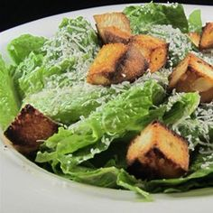 Classic Restaurant Caesar Salad -- The Real Deal -- not hard to make Ceasar Salad, Chicken Caesar Salad, Ceasar Dressing, Salad Dressing Recipes, Salad Recipes, Salad Dressings, Best Side Dishes, Main Dishes, Salad Supreme Recipe