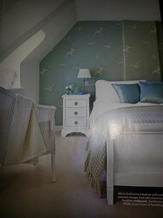 love this swallow wallpaper - think it would make for a very zen bedroom