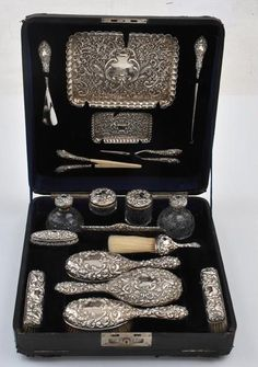 Edwardian silver vanity and dressing set, c. 1901
